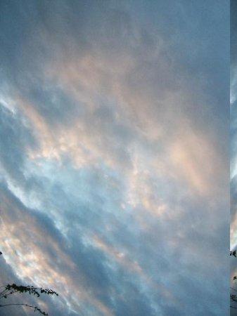 Diving Pelican Inn: A typical evening sky