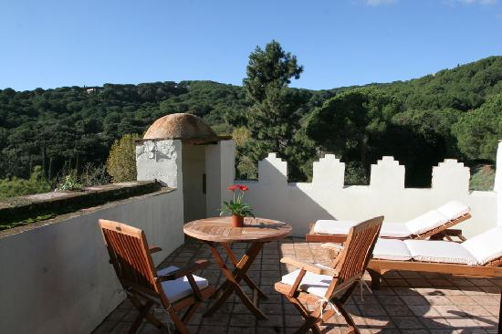 Castell de l'Oliver Hotel: The private terrace that is part of the wedding suite.