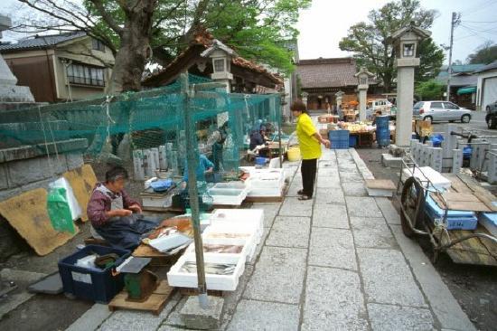 Kotobuki: もう一つの有名な夕市もおすすめ