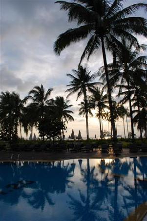 Khaolak Orchid Beach Resort: Pool