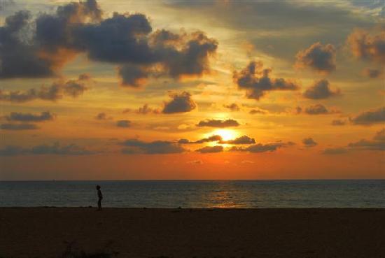 Khaolak Orchid Beach Resort: Sunset