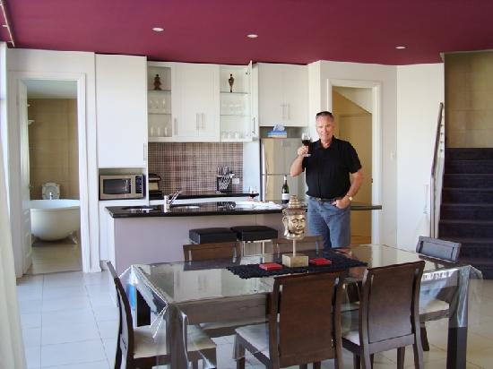 Merlot & Verdelho Townhouses: Kitchen and dining