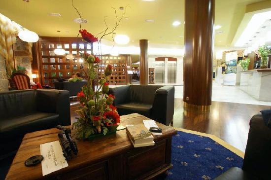 Hotel Balneario La Hermida: Recepcion