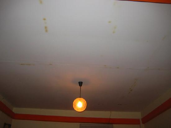 Villa Suan Maak: look the ceiling