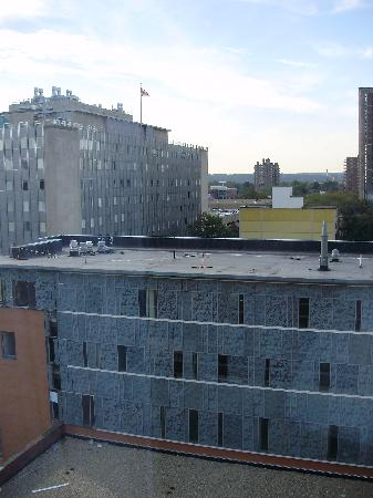 New Haven Hotel: Uninspiring view