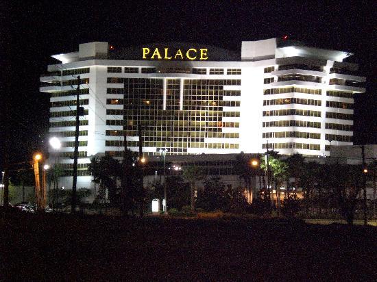 Palace Casino Resort: night view of the Palace