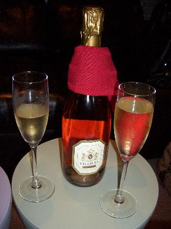 O on Kloof Boutique Hotel & Spa: Champagne
