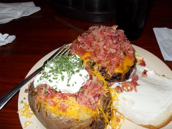 Yo-Mama's Bar and Grill : Bacon cheeseburger and loaded baked potato YUM!!!!