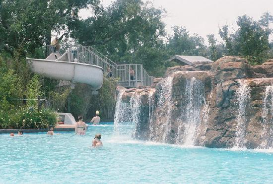 Point Clear, AL: Waterfalls at the pool