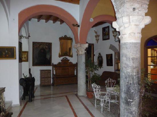 Patio Bas Picture Of Hotel Mezquita Cordoba Tripadvisor