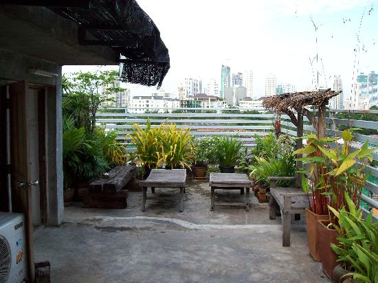 HI-Sukhumvit: Roof top terrace