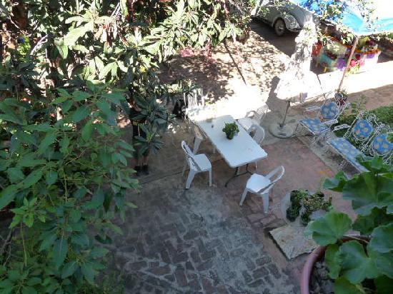 Casa Gigi Guest House: The central courtyard at the Gigi