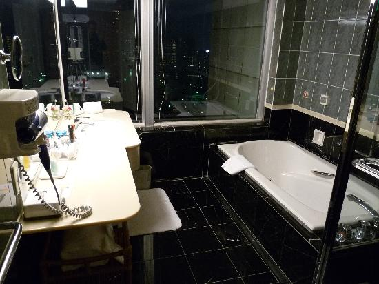 The Prince Park Tower Tokyo: Bathroom of Premium Double