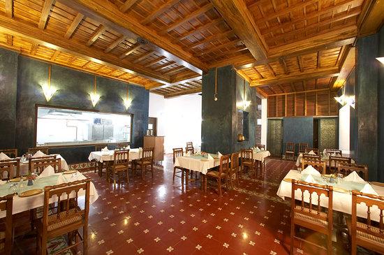 Neemrana's La Maison: Restaurant