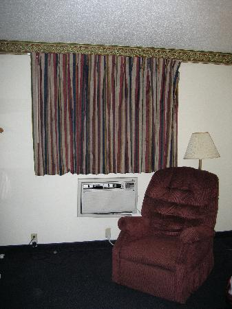 Super 8 Chattanooga Lookout Mountain TN: king room decor