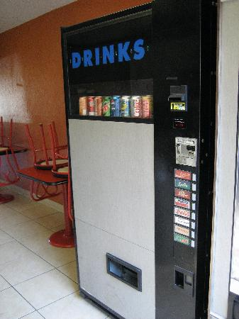 Super 8 Chattanooga Lookout Mountain TN: Retro can machine in lobby