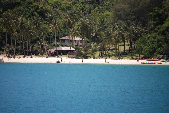 Baan Sijan Resort : One of the many beaches