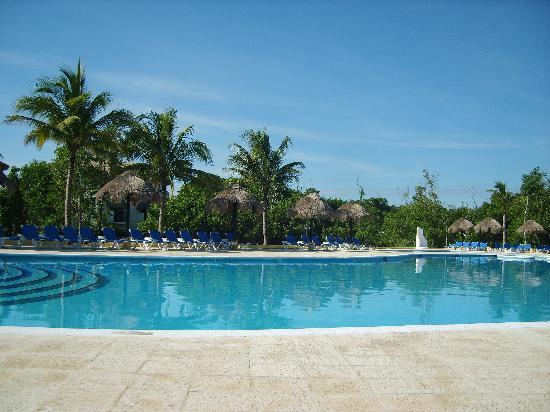 Sandos Caracol Eco Resort: une des 3 piscines