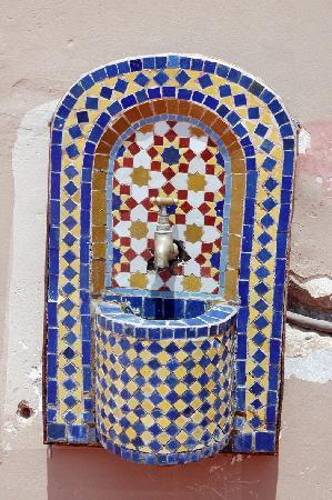 Abertih Hotel Restaurant : fontaine marocaine