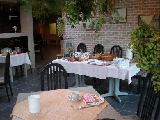 Hostellerie Petrus: Breakfast