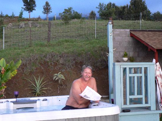 Upcountry Bed and Breakfast: Enjoying the Hot Tub