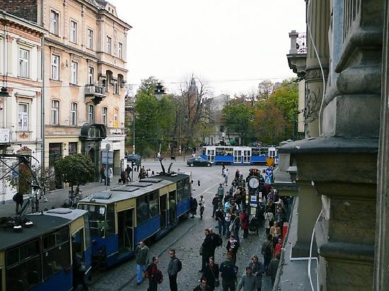 Janexim Krakow Guest Rooms & Apartments : View from balcony. Trams non-stop!
