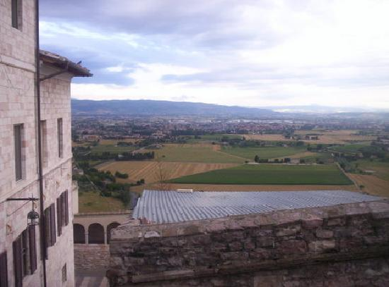 Hotel San Francesco: View over Umbria