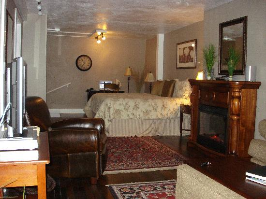 Inn at Harbour Village : The Suite!