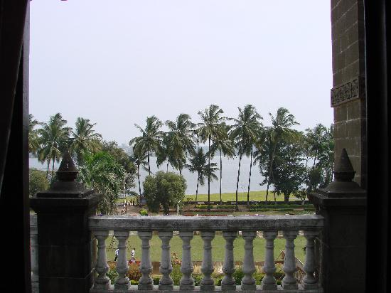 Shalini Palace Hotel: Rankala lake view from the room