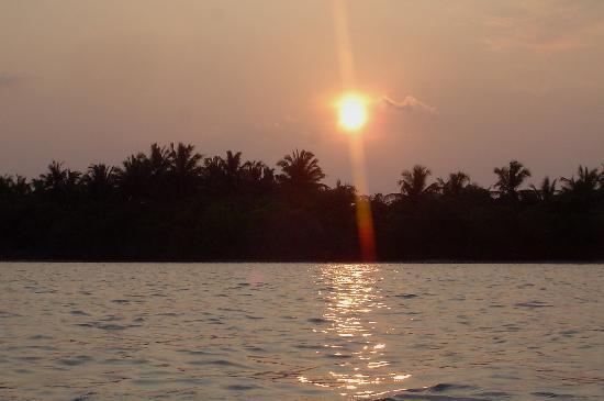 ชายา ลากูน ฮาคูรา ฮูรา รีสอร์ท-ออล อินคลูซีฟ: sunset