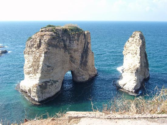 Libanon: The Rawcheh rock in November