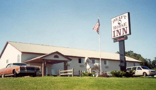 Draft Horse Inn: Exterior - from the road