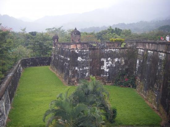 Omoa, Honduras: Spanish Fort is open to the public