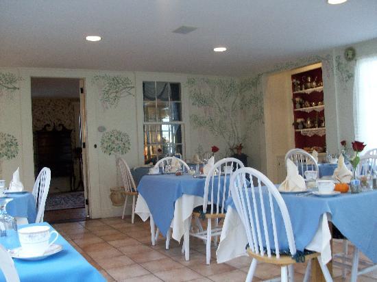Captain's House Inn: Frühstücksraum im Haupthaus