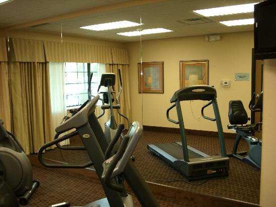 ‪‪Crestwood Suites Lakeland‬: Fitness room‬