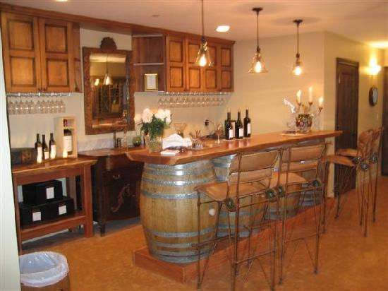 Venteux Vineyards Bed & Breakfast : Main House Wine Bar