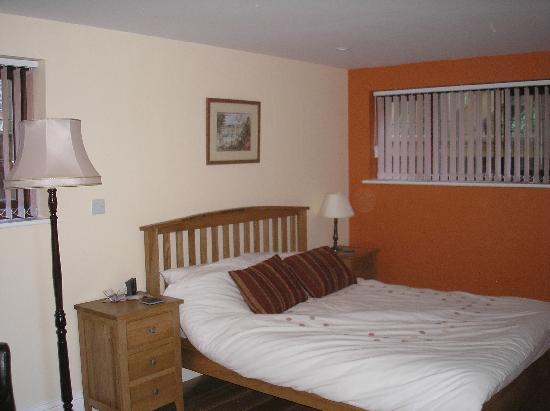 Moorland House: bedroom