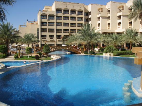 InterContinental Aqaba Resort : Pool on Red Sea side.