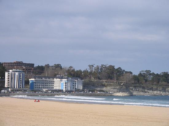 Desde la playa del Sardinero... el hotel Chiqui