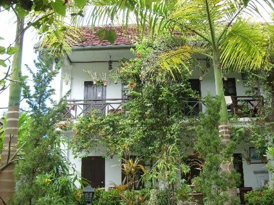 Xieng Mouane Guest House: The garden