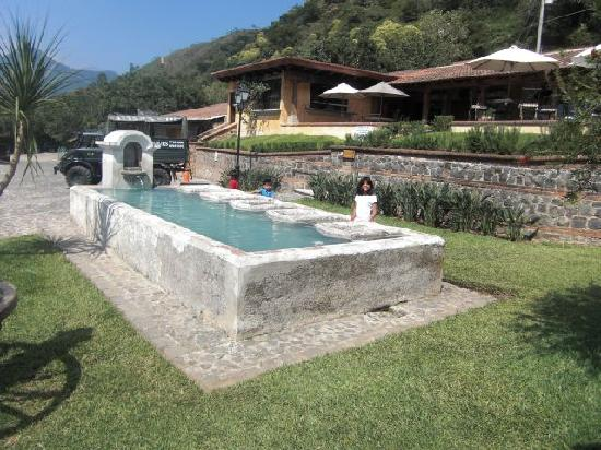 Filadelfia Coffee Resort and Tours: A wash pila from the old farm located in the tourist area