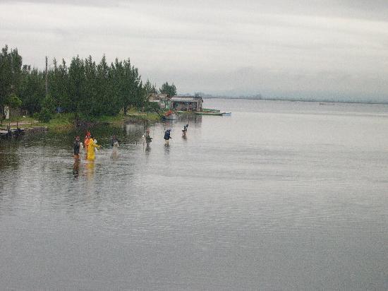 Estado de Santa Catarina: pesca en la Lagoa Garopaba do Sul