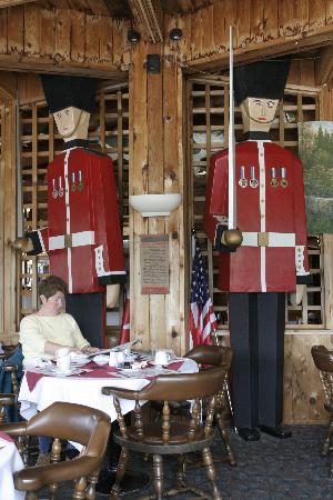 Ramada Gananoque Provincial Inn: Restuarant Overview