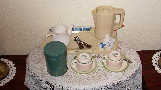 Central Guest House - Drinks Facilities