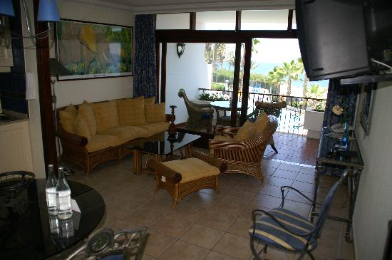 Sunsuites Carolina: Living room