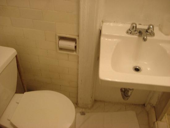 Dexter House Hostel: bagno