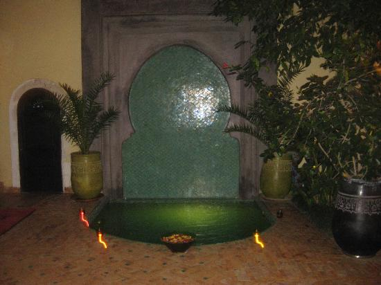 Riad Taylor: The plunge pool at night