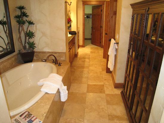 Highmark Steamboat Springs: Bathroom