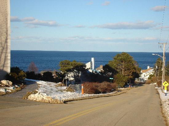 16 Beach Street Bed and Breakfast: These are pictures on Marginal way and on the Beach