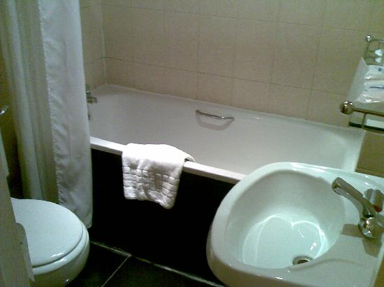 Royal Eagle Hotel: Fotos del baño